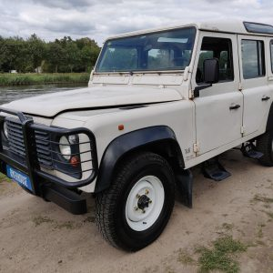 1994 LR LHD Defender 110 5dr 300 Tdi A White left front