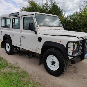 1994 LR LHD Defender 110 5dr 300 Tdi A White right front