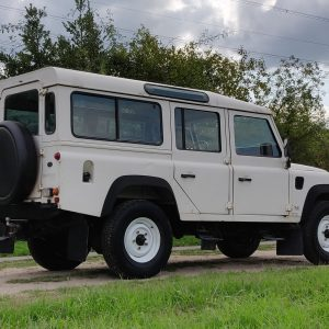 1994 LR LHD Defender 110 5dr 300 Tdi A White right rear low