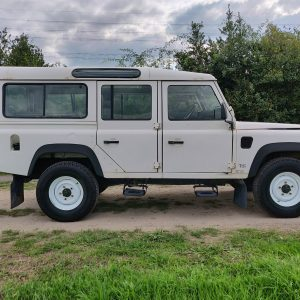 1994 LR LHD Defender 110 5dr 300 Tdi A White right side