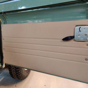1994 LR LHD Defender 130 Beachrunner Pastel Green day 34 doorcard front