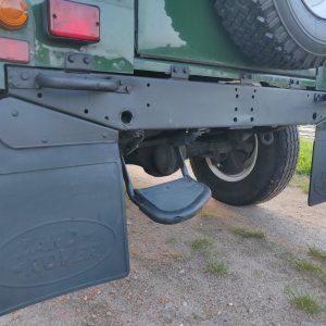 1994 LR LHD Defender 90 Conisten Green rear crossmember close up