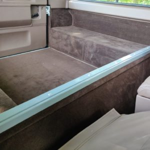 1994 LR LHD Defender 90 Nardo Grey A rear bulkhead removal bar