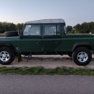 1995 LR LHD Defender 130 Conisten Green left side