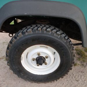 1988 LR LHD 90 SW 2.5 Td Trident Green MUD tyres