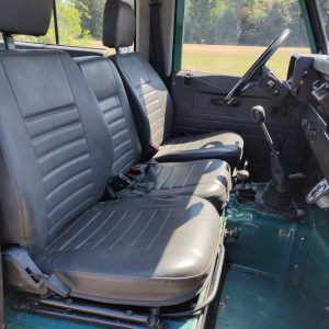 1988 LR LHD 90 SW 2.5 Td Trident Green front seats