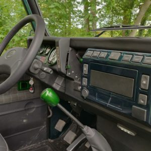 1995 LR LHD Defender 90 300 tdi Aintree AA open console and dash close