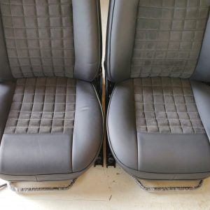 1995 LR LHD Defender 90 300 tdi White day 9 front seats bottom close