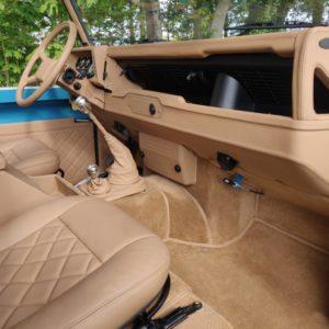 1992 LR LHD 110 Tuscan Blue 200 Tdi A open dash and trim