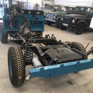 1992 LR LHD 110 Tuscan Blue 200 Tdi day 2 rolling frame and bulkhead installed