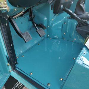 1992 LR LHD Defender 110 Tdi Riviera Blue B driver floor