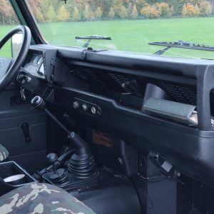 1994 LR LHD Defender 110 5 dr Green 300 Tdi dash and trim