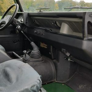1995 LR LHD Defender 110 Conisten Green 300 Tdi dash and trim