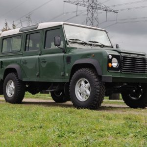 1995 LR LHD Defender 110 Conisten Green 300 Tdi right front low