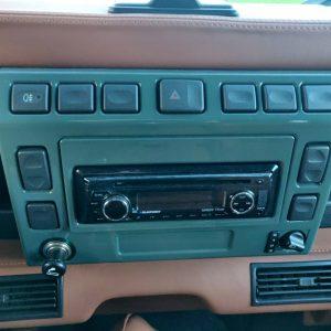 2004 LR Defender 90 TD5 Keswick AC center console
