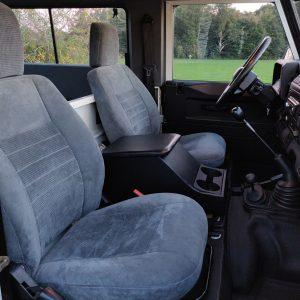 2004 LR Defender 90 Td5 White front seats