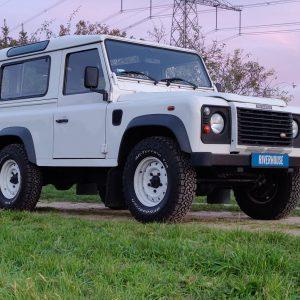2004 LR Defender 90 Td5 White right front