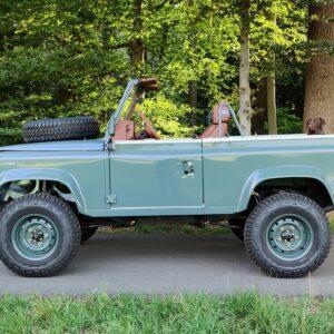 1995 LR LHD Defender 90 Keswick Green Soft Top A no top left side