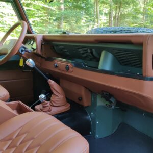 1995 LR LHD Defender 90 Keswick Green Soft Top A with top dash and trim
