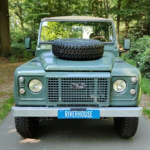 1995 LR LHD Defender 90 Keswick Green Soft Top A with top front