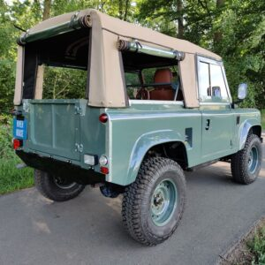 1995 LR LHD Defender 90 Keswick Green Soft Top A with top right rear