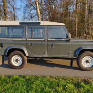 1985 LR LHD Defender 110 V8 CH right side
