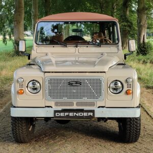 1991 LR LHD Defender 110 5 dr Tdi Cappuchino AA ready front