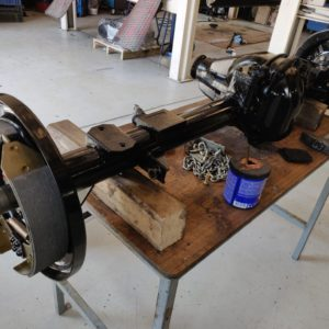 1992 LR LHD Defender 110 5 dr Tdi Cappuchino chassis rear axle building up