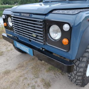 1992 LR LHD Defender 110 3 dr 200 Tdi grill close