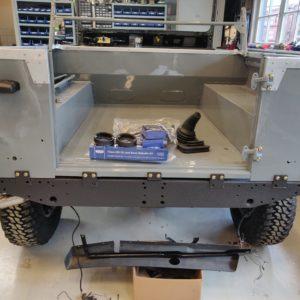 1987 Defender 90 200 Tdi Ron T building day 10 rear tub installed rear