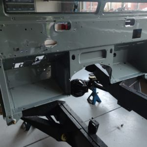 1987 Defender 90 200 Tdi Ron T building day 2 bulkhead installed on rolling frame close up