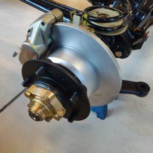 1987 Defender 90 200 Tdi Ron T building day 2 rolling frame RH hub and brake