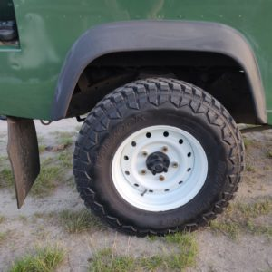 1996 LR LHD Defender 130 Conisten Green WOLF wheels