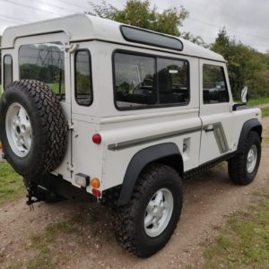 1993 LR LHD Defender 90 200 Tdi White A right rear