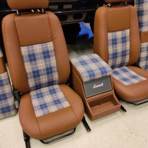 2008 LR LHD Defender 90 Tdci Clipper Blue day 20 seat kit