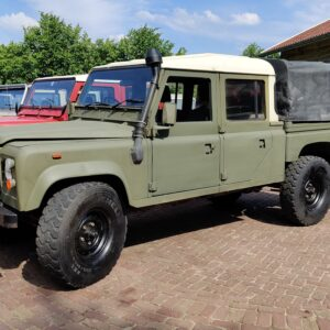 1985 LR RHD Landrovr 127 Green A left front wioth CANVAS