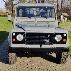 1991 LR LHD Defender 90 200 Tdi A front