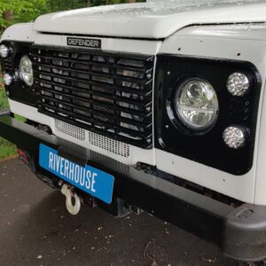 2004 LR LHD Defender 130 Td5 White A grill close