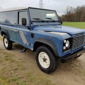 1995 LR LHD Defender 110 Hardtop 300 Tdi Arles Blue right front