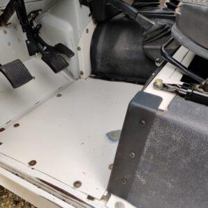 1995 LR LHD Defender 110 White 300 Tdi interior drivers floorpan