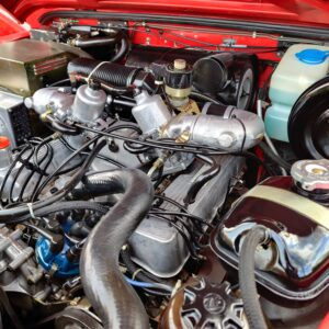 1992 LR LHD Defender 110 V8 Fire Dept 9900 km engine right