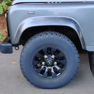2015 LR LHD Defender 110 2.2 Grey metallic Sawtooth wheels