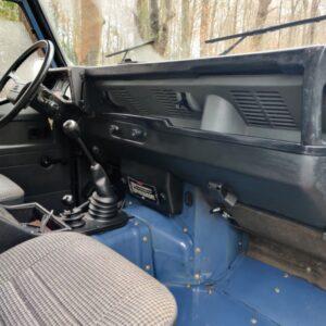 1991 LR LHD Defender 90 Tdi Arles Blue 2 A dash and trim