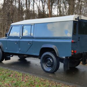 1995 LR LHD Defender 130 Stationwagon Arles Blue left rear