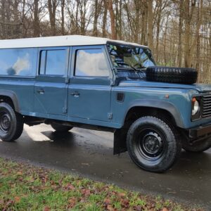 1995 LR LHD Defender 130 Stationwagon Arles Blue right front