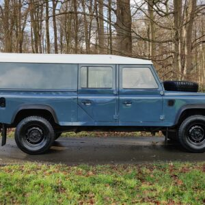 1995 LR LHD Defender 130 Stationwagon Arles Blue right side