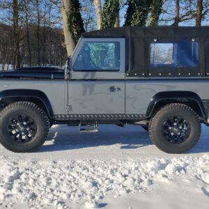 2010 LR LHD Defender 90 Orkney Grey A snow left side